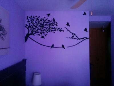 Decoración de pared con árbol y pájaros