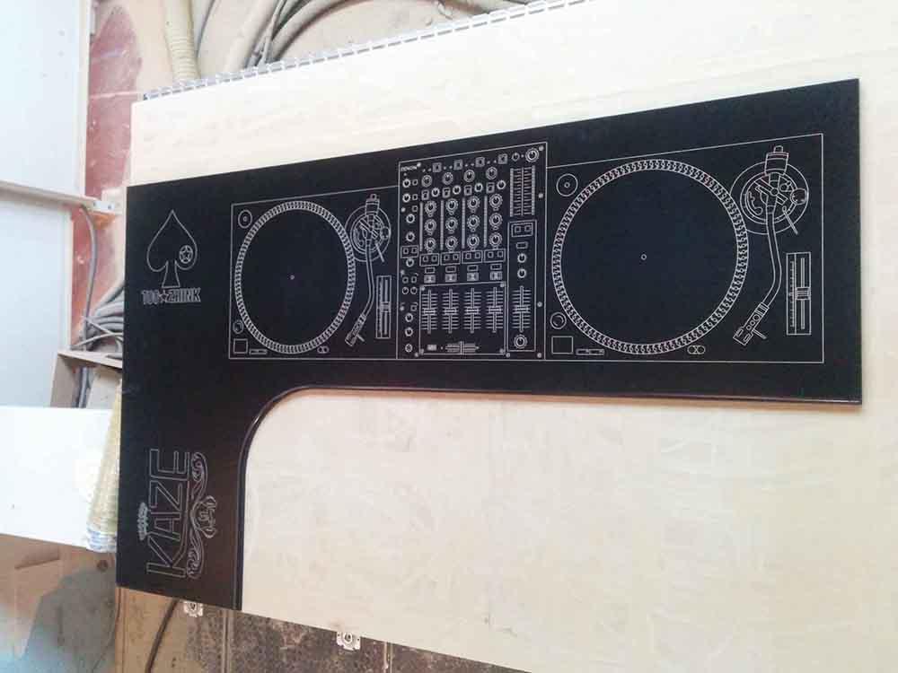 Encimera con diseño DJ – Mi ultimo trabajo (por ahora)