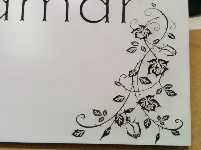 Detalle rosas de grabado CNC