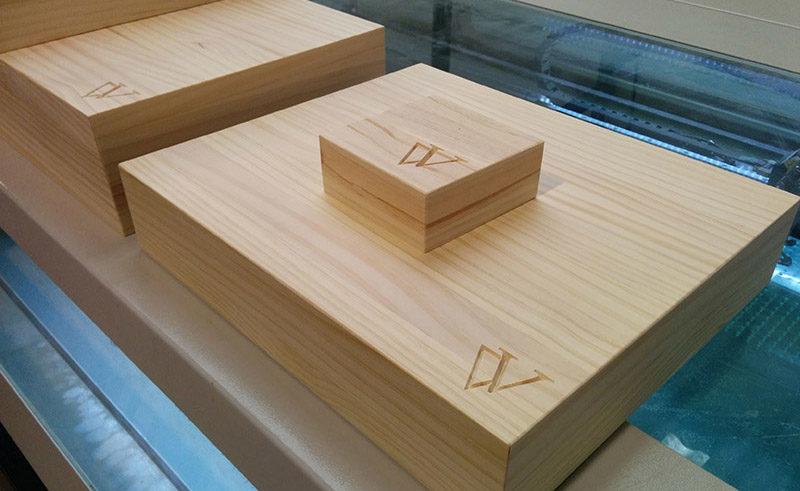 Bases en madera con tallado