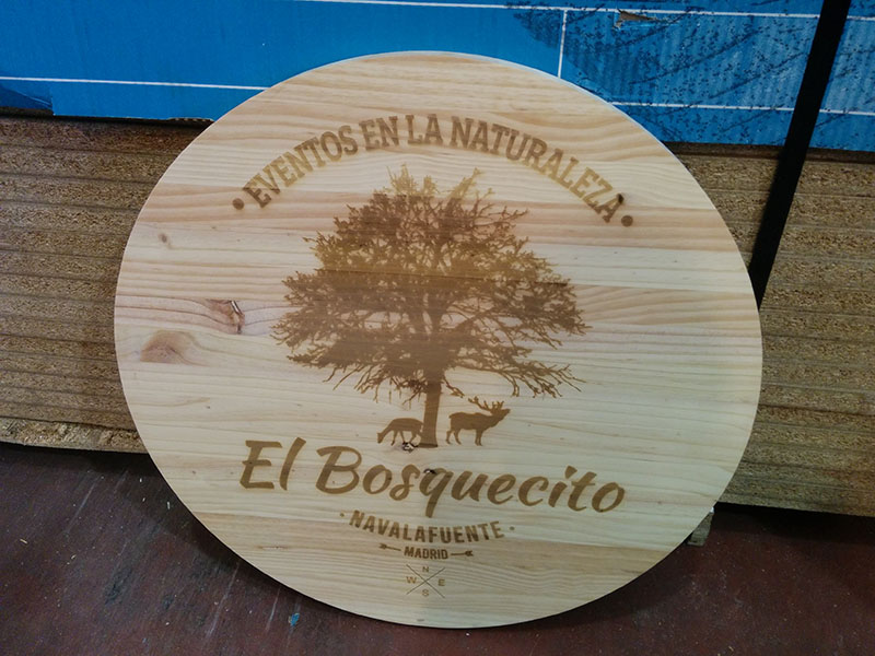 Grabado en madera logotipo El Bosquecito.